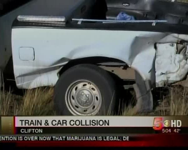 Train and Truck Collide in Clifton_-7857429194590171868
