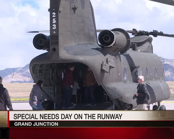 Special Needs Day on the Runway_81966532
