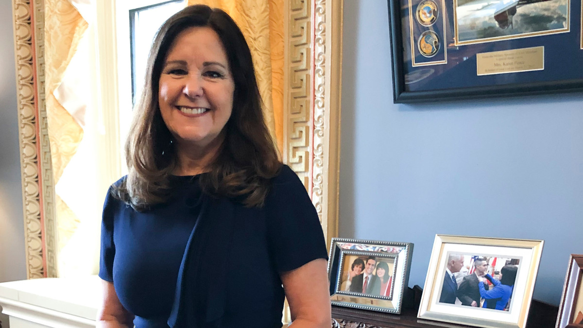 Karen Pence adds campaigning for Trump to busy to-do list | KREX
